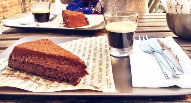 Dá um pau no suposto Melhor Bolo de Chocolate do Mundo