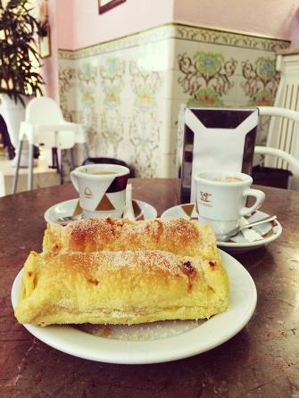 uma cafézinho pra acompanhar. sempre.